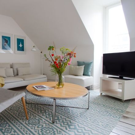 Rent this 2 bed apartment on Bartelsstraße 63 in 20357 Hamburg, Germany