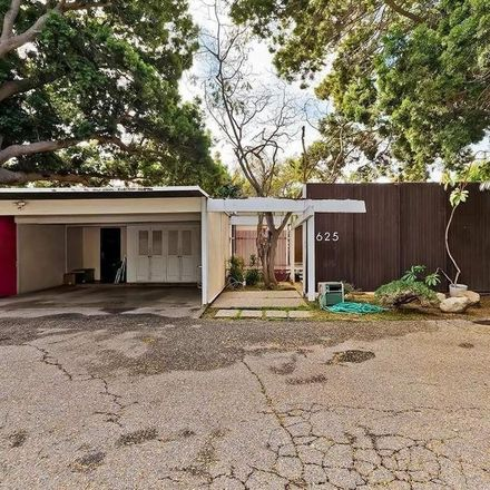 Rent this 3 bed house on 625 N Rodeo Dr in Beverly Hills, CA 90210