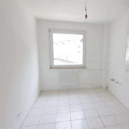 Rent this 3 bed apartment on Günterstraße in 47226 Duisburg, Germany