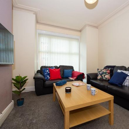 Rent this 5 bed house on Back Hessle Terrace in Leeds LS6 1EQ, United Kingdom