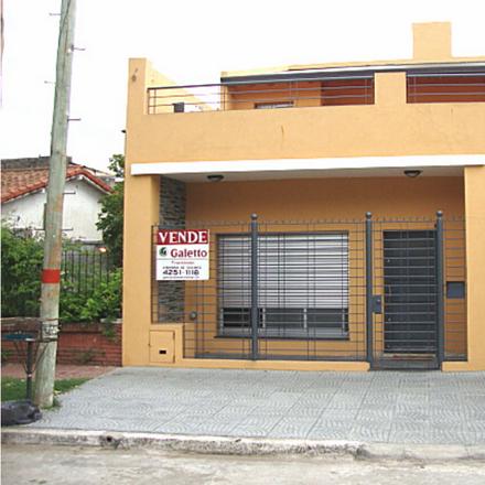 Rent this 0 bed house on Sir Alexander Fleming in Bernal Oeste, 1876 Bernal