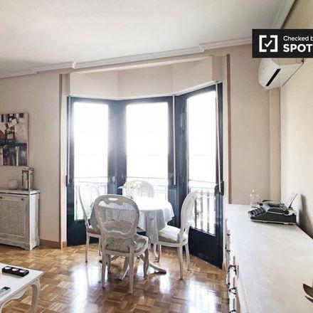 Rent this 3 bed apartment on Calle de Mira el Sol in 17, 28005 Madrid
