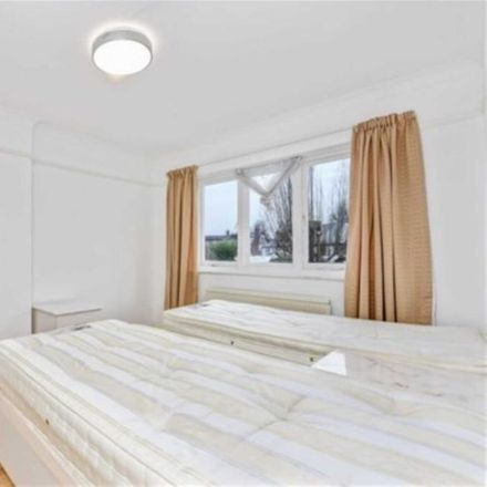 Rent this 3 bed apartment on 9 Queen's Drive in London W3, United Kingdom