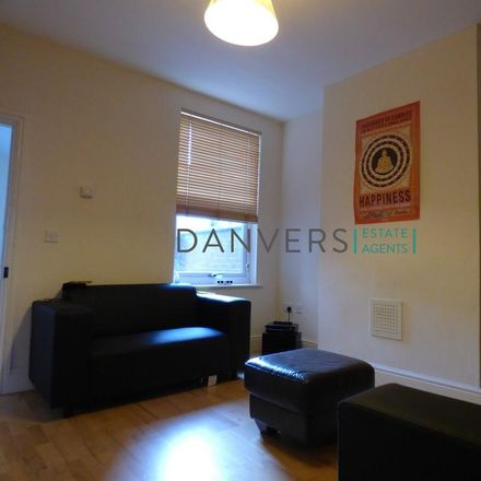 Rent this 3 bed house on Leicester College Parking in Bruce Street, Leicester LE3 0AF