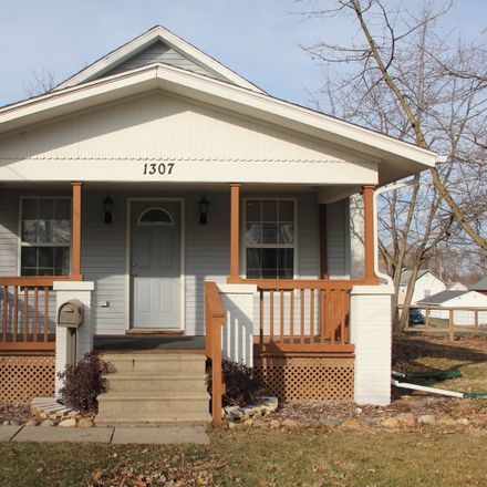 Rent this 2 bed house on 1307 West Olive Street in Bloomington, IL 61701