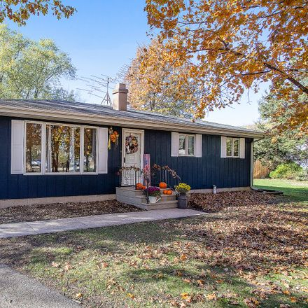 Rent this 3 bed house on 3405 Gold Finch Dr in Morris, IL