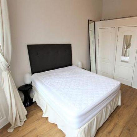 Rent this 2 bed apartment on Jack Brown eye care in 30 Elder Street, City of Edinburgh EH1 3DX
