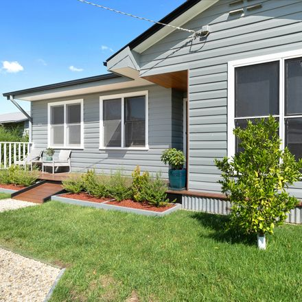 Rent this 3 bed house on 173 Standish Street