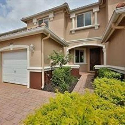 Rent this 3 bed townhouse on Cherry Ridge Ln in Naples, FL