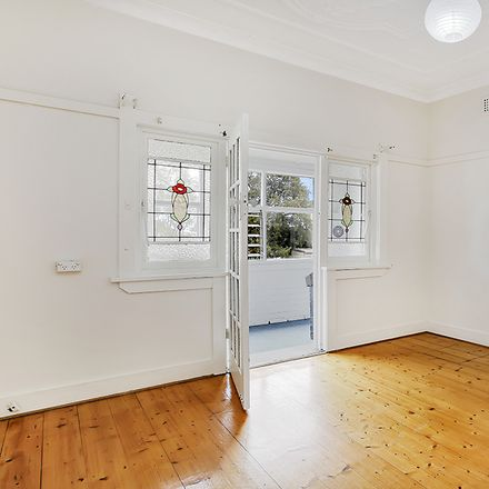 Rent this 3 bed house on 46 Terry Street