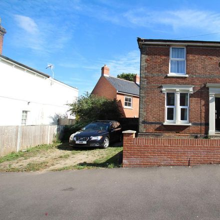 Rent this 1 bed room on B&M Business Machines in Military Road, Colchester CO1 2AJ