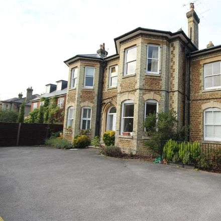 Rent this 2 bed apartment on Clandon Road in Guildford GU1 2EB, United Kingdom