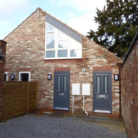 Rent this 1 bed townhouse on The Kitchen in Bridgegate, Howden DN14 7AA