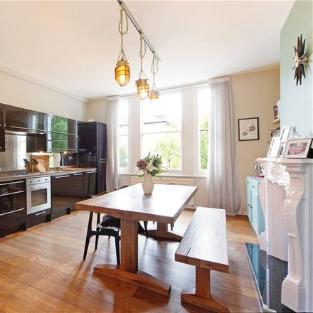 Rent this 3 bed apartment on Trinity Crescent in London SW17, United Kingdom