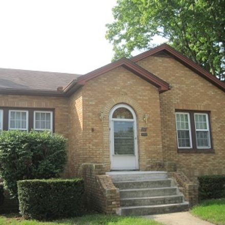 Rent this 2 bed house on 902 Roosevelt Road in LaSalle, IL 61301