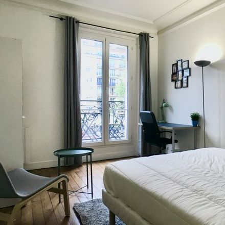 Rent this 4 bed room on 15 Boulevard Exelmans in 75016 Paris, France
