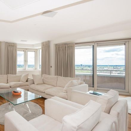 Rent this 3 bed apartment on Balmoral Apartments in 2 Praed Street, London W2 1AL