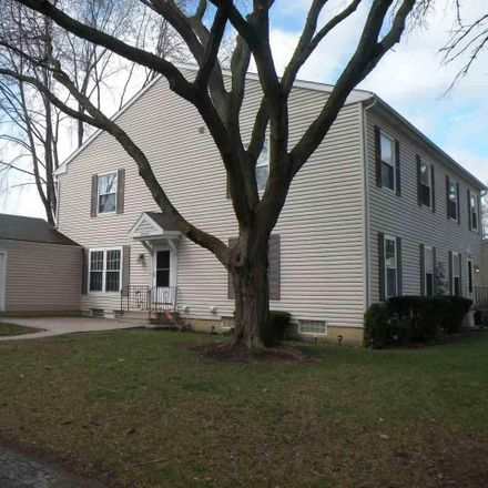 Rent this 2 bed townhouse on 38625 Diamond Head Court in Clinton Township, MI 48038