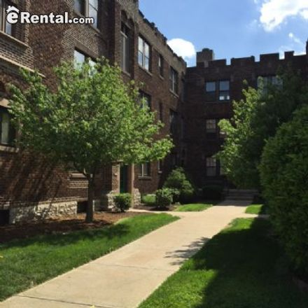 Rent this 1 bed apartment on 1104 Grandview Place in St. Louis, MO 63139