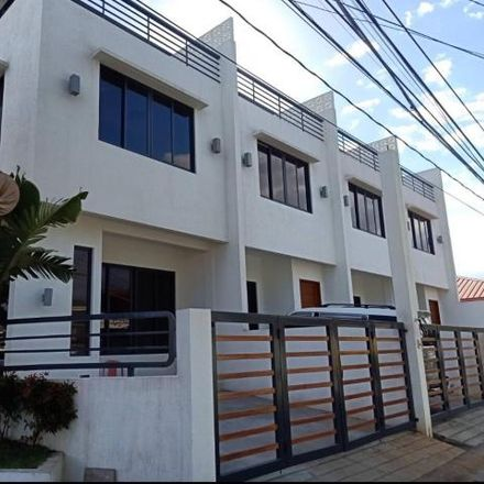 Rent this 3 bed townhouse on Manila Bay Drive in Parañaque, 1719