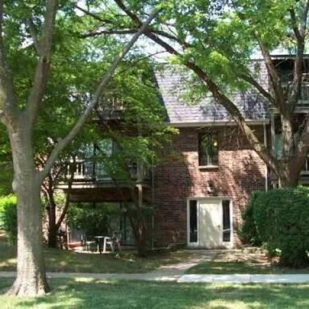 Rent this 2 bed condo on Vernon Hills