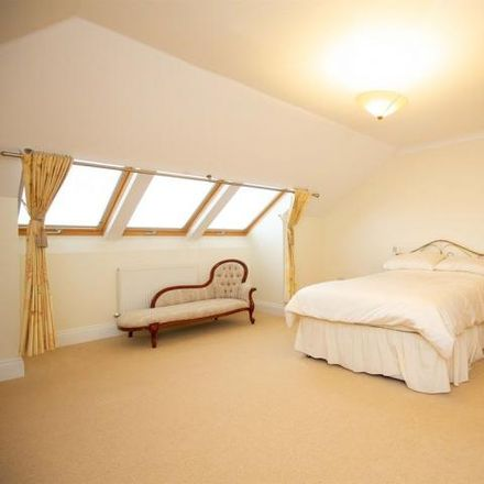 Rent this 3 bed house on Heol Hir in Cardiff, United Kingdom