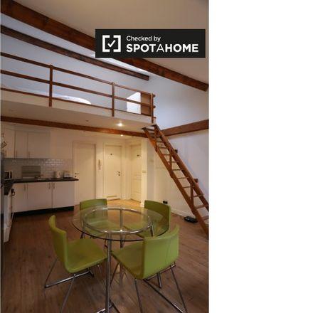 Rent this 2 bed apartment on Rue Van Elewyck - Van Elewyckstraat 35 in 1050 Ixelles - Elsene, Belgium