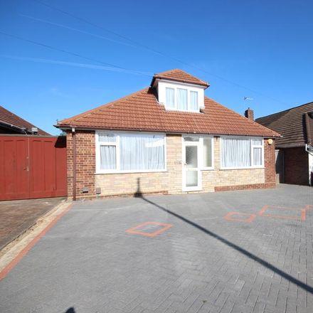 Rent this 3 bed house on Ashcroft Road in Luton LU2 9AE, United Kingdom