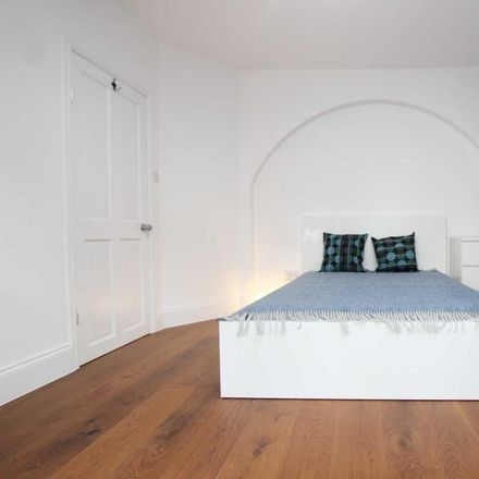 Rent this 1 bed room on 21 Clifton Street in Reading RG1 7YE, United Kingdom