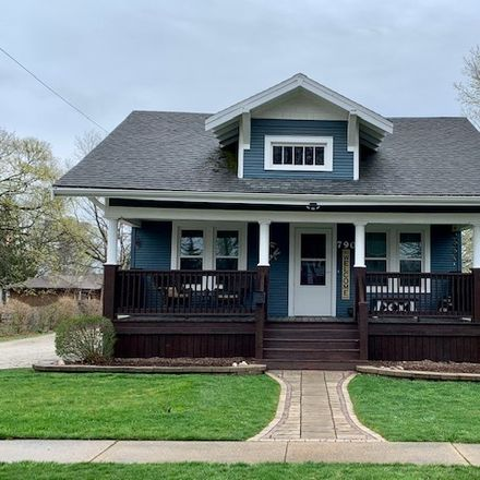 Rent this 3 bed house on 790 South Locust Street in Pontiac, IL 61764