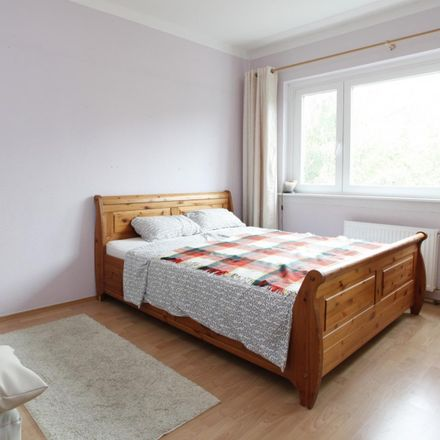 Rent this 4 bed room on Quäkerstraße 6 in 13403 Berlin, Germany