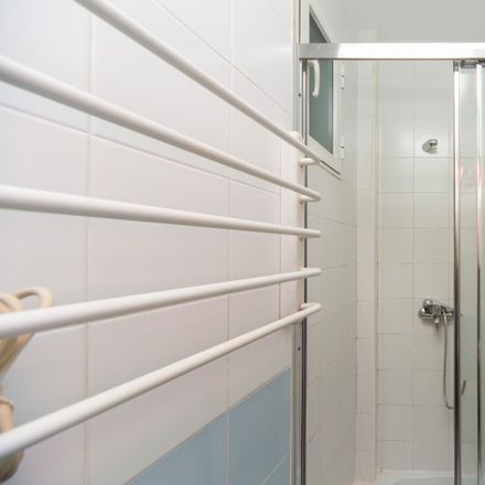 Rent this 2 bed apartment on Kebabchi Jalo in Calle del Ave María, 39