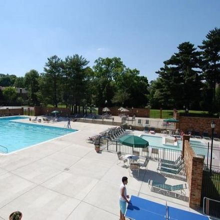 Rent this 3 bed condo on Commonwealth Drive in North Bethesda, MD 20852