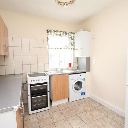Rent this 1 bed apartment on Palmers Green High School in Hoppers Road, London N21 3LH