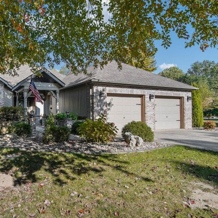 Rent this 3 bed house on Lindenwood Dr in Collinsville, IL