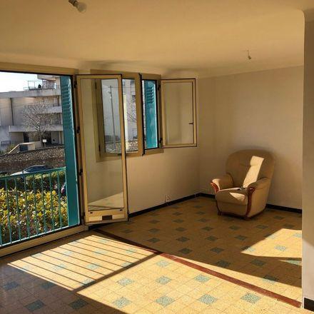 Rent this 4 bed apartment on 44 Chemin de la Mûre in 13015 15e Arrondissement, France