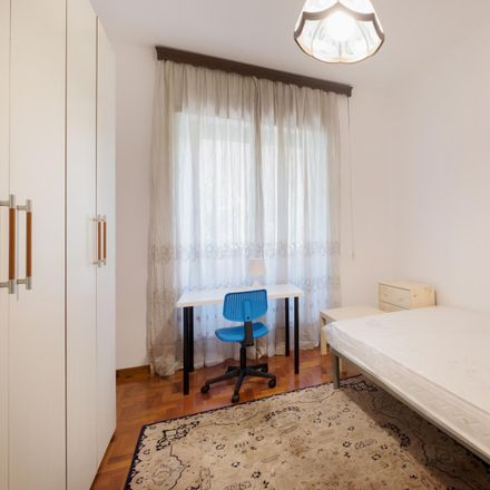 Rent this 5 bed room on Circonvallazione Nomentana in 00162 Rome Roma Capitale, Italy