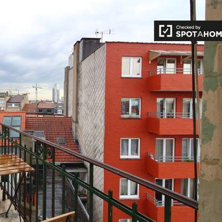 Rent this 2 bed apartment on Clos Saint-Remi in Rue Vandernoot - Vandernootstraat, 1080 Molenbeek-Saint-Jean - Sint-Jans-Molenbeek