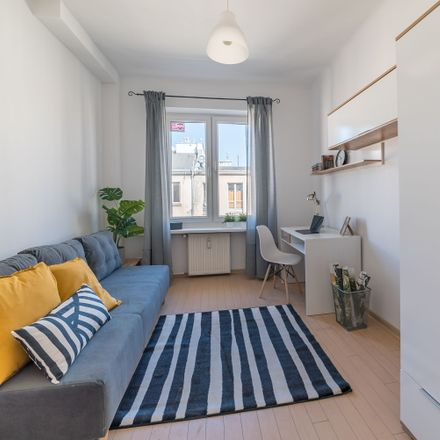 Rent this 6 bed room on Nowowiejska 1/3 in 00-643 Warsaw, Poland