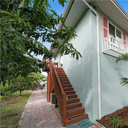 Rent this 1 bed house on Caloosa Drive in Fort Myers, FL 33901