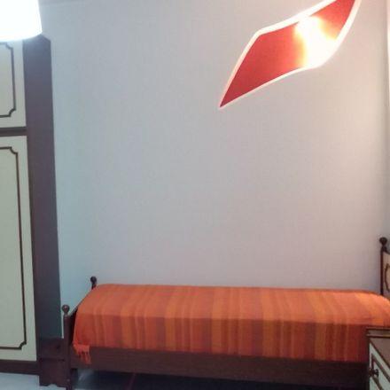 Rent this 5 bed room on Via S. Nullo in 95123 Catania CT, Italia