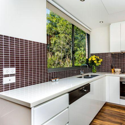 Rent this 2 bed apartment on 32/3-13 Bundarra Avenue