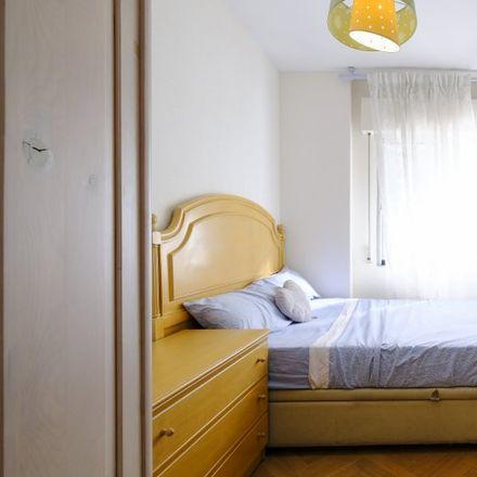 Rent this 4 bed apartment on Calle de Ignacio Santos Viñuelas in 28001 Madrid, Spain