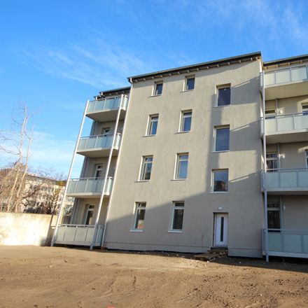 Rent this 3 bed apartment on Leipziger Straße 15 in 39112 Magdeburg, Germany