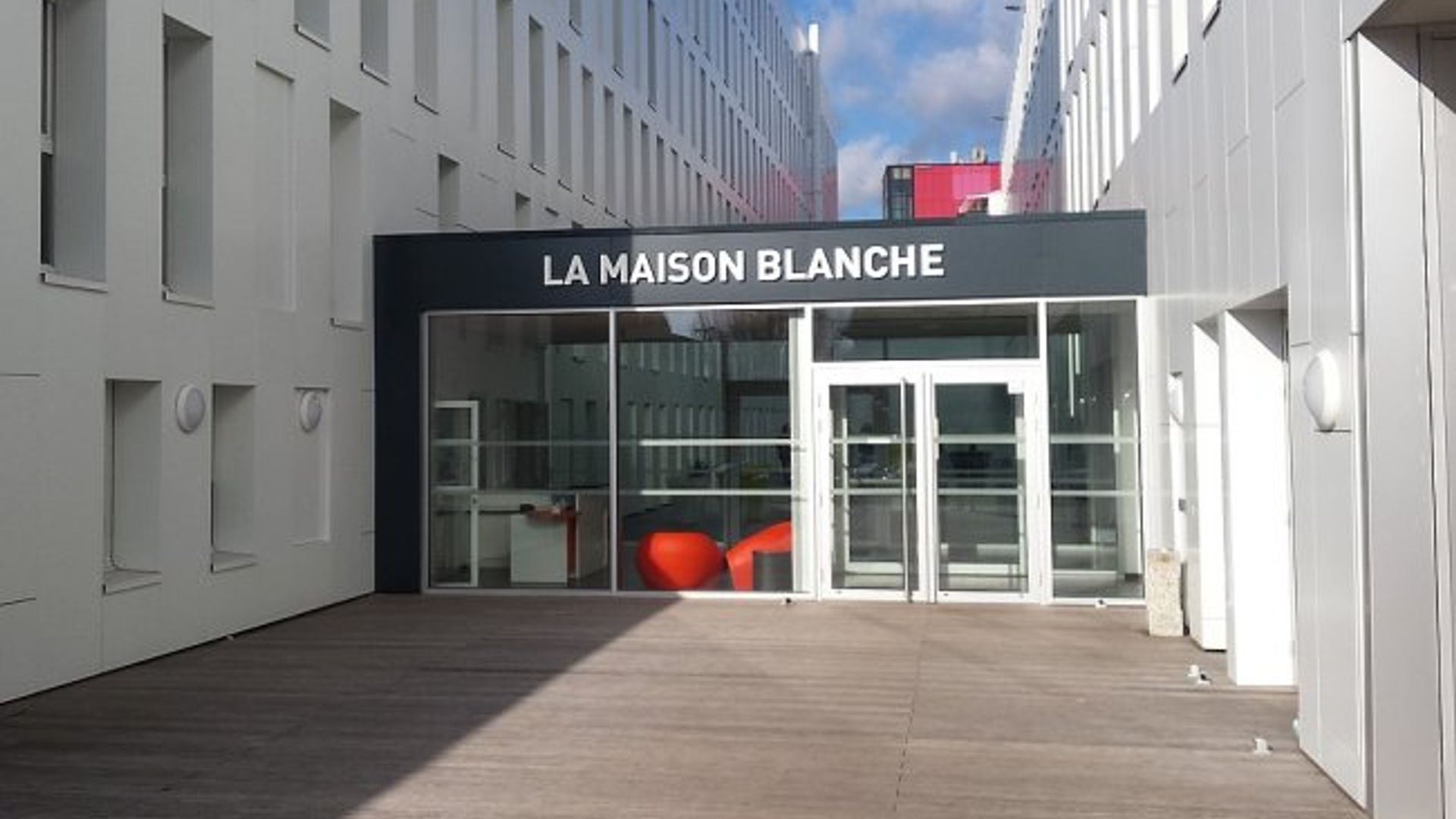 Residence Maison Blanche Lille room in apt at 66 rue de bouvines, 59000 lille, france | for