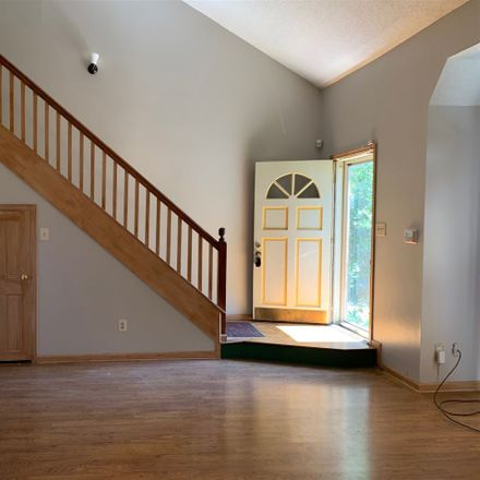 Rent this 3 bed condo on Huntington Trail Dr in Memphis, TN