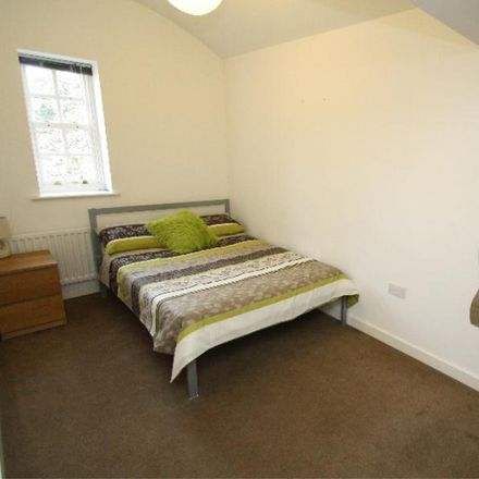 Rent this 2 bed apartment on Parklands Manor in Tuke Grove, Wakefield WF1 4DJ