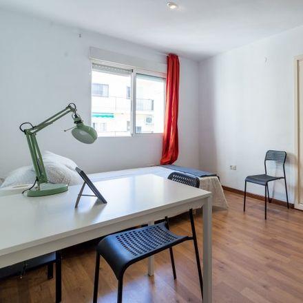 Rent this 5 bed apartment on Plaça de Vicent Iborra in 4600 Valencia, Spain