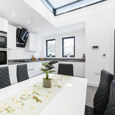 Rent this 3 bed house on Oxford Road in London W5, United Kingdom