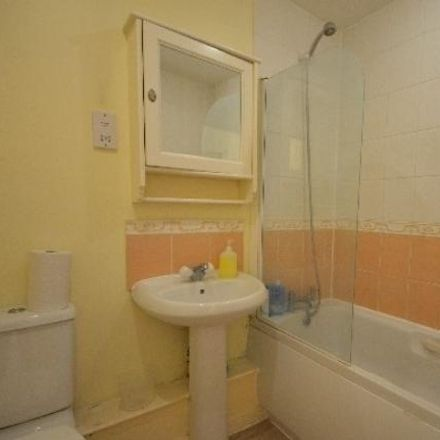 Rent this 2 bed apartment on Topps Tiles in Rookery Way, London NW9 6QG